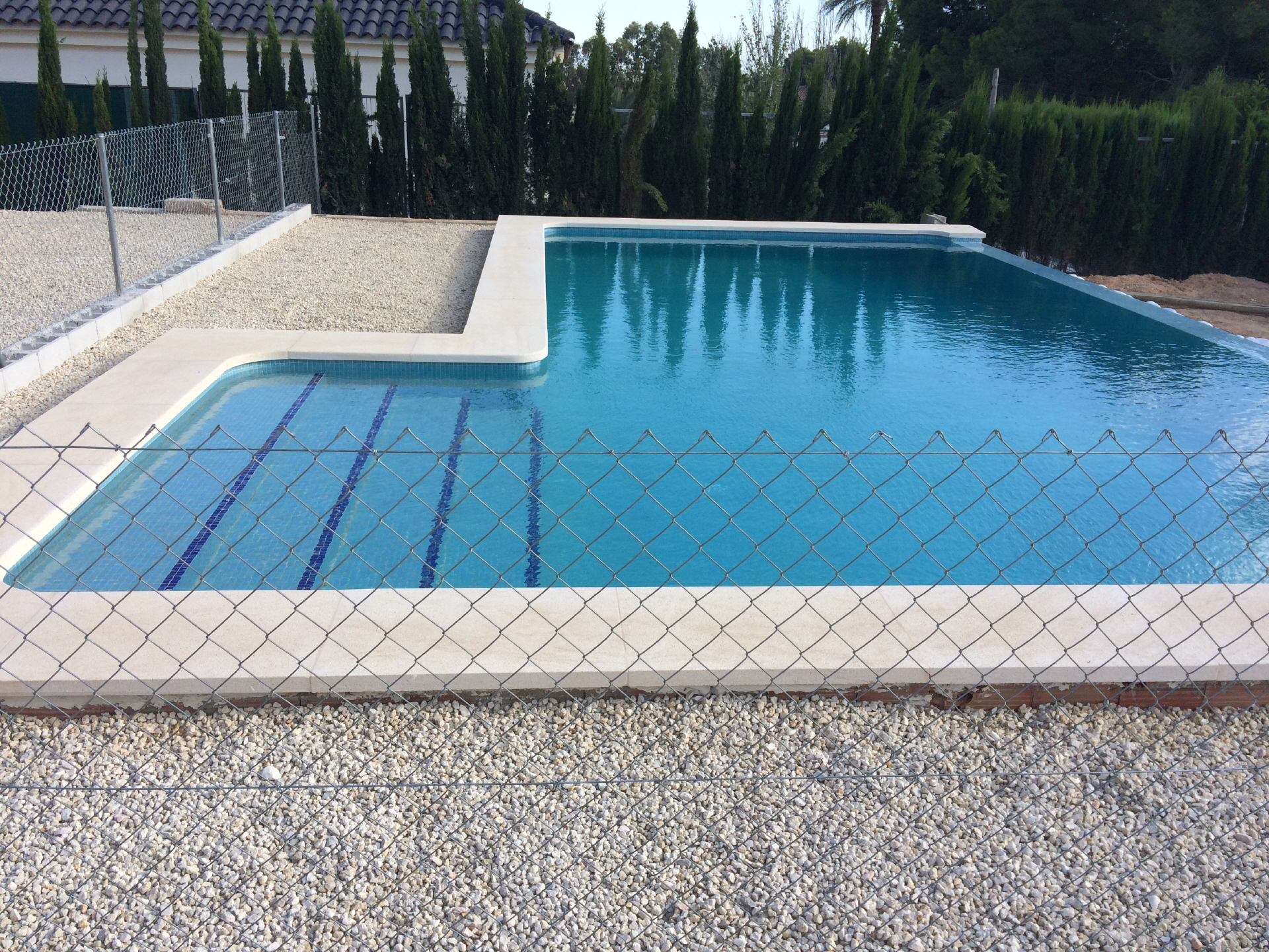 Precio de piscinas finest comprar piscina gre x serie for Precio construir piscina